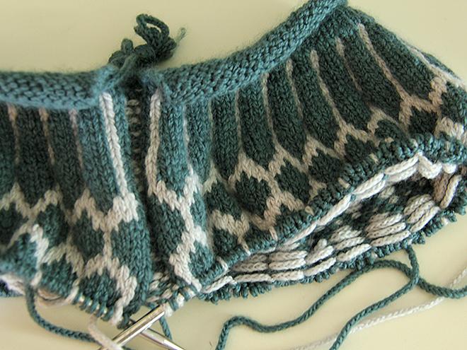 28Sweater2