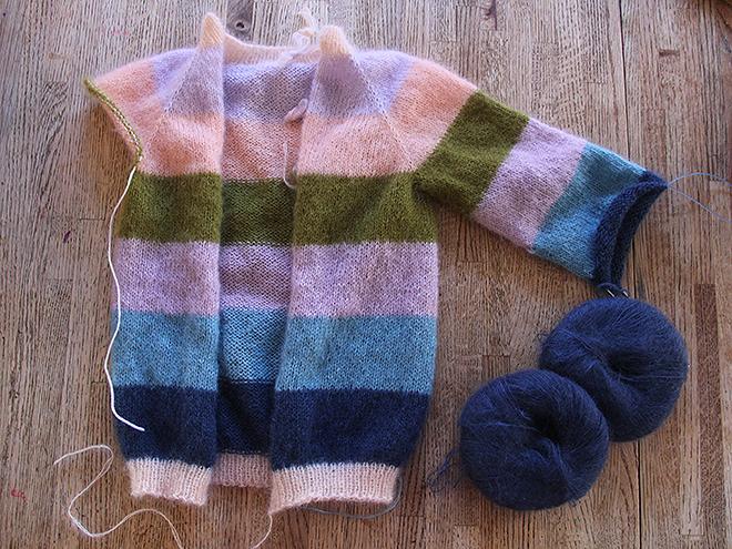 3Sweater1