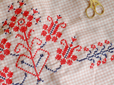 Crossstitchedvalance2
