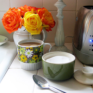 http://rosylittlethings.typepad.com/posie_gets_cozy/images/coffeeforonethursday.jpg